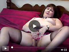Perverted full-grown mama reaching orgasm
