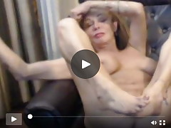 Rounded 56 year old MILF wench teasing on R/T webcam