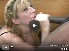Mature cunt Sara Jay is in her office and getting owned