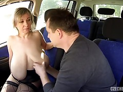 Barbara and her Saggy Wobblers screwed in a Car