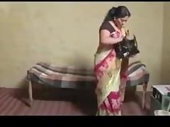 Tamil beauty seducing hot