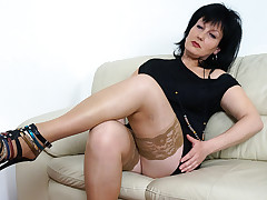 This Sexually intrigued Housewife Loves To Stroke - MatureNL