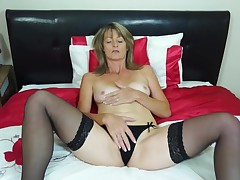 Di loves to spend some time alone, exclusively as any hawt Milf does. For her, enjoyment is not exclusively about having hawt sex. What this chick really fall in love with to do larger quantity than anything, is to put her hand internal the panty and lie