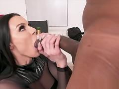 Jules Jordan - Large Tit MILF Star Kendra Hunger Has A BBC Celebration