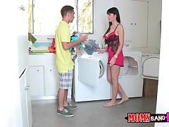 Depart do some laundry with my girlfriend's mommy