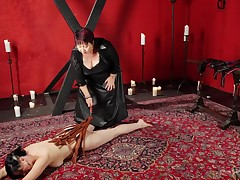 This unpitying female-dominant is going to show u the basics of carnal flogging by giving a demonstration. Witness as this girl uses the whip on her slave. First her billibongs benefits from hit, and then this girl gains her butt flogged by the female-dom
