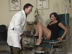 Placid lady Vannah is at her doc for a cunt exam. She takes a sit on the gynecologist table, spreads her fabulous wastes and receives her cunt checked out. This very wench has a itch among her legs and the doc knows the perfect treatment for that, his co