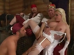 Appealing titsy UK mom Diamond Foxxx is making a perfect Facefucking in public
