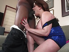 Nasty Kate is a granny, that needs a serious 10-Pounder in her life. This babe had a lot of weenies at her time, but not on account went black. Well, more gigantic late than never! Kate will soon discovered out, how excellent a brown wang feels like, afte