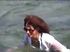 Marjorie ist getting wet and muddy in the ocean - outdoor