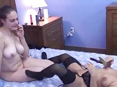 Mature Midget Vixen and Danni 51x3