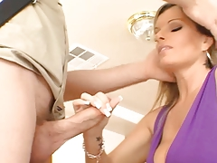 MILF Kristal knows how to fuck