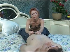 the teeny dude sub breaks the arse of the mature woman.