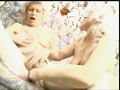 Granny budai gets a woman-on-woman associate to gape her