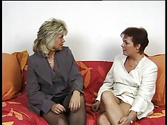 2 Hot German Housewives share a life partner cock