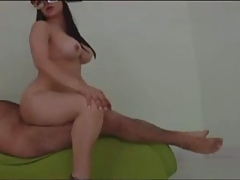 Mexicana enmascarada cogida en el sillon del sexo!