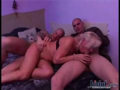 Erzsebet got on her knees